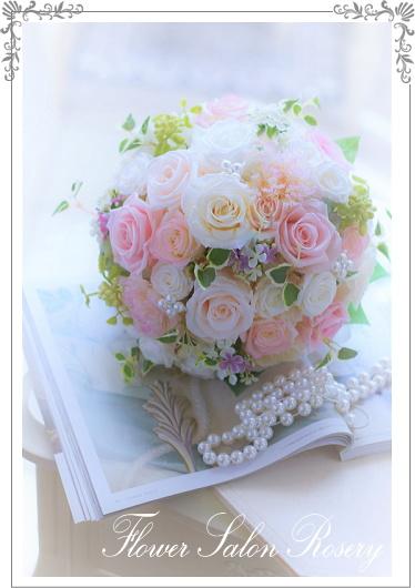 ウェディングブーケをオーダーするときにおすすめの花はある?